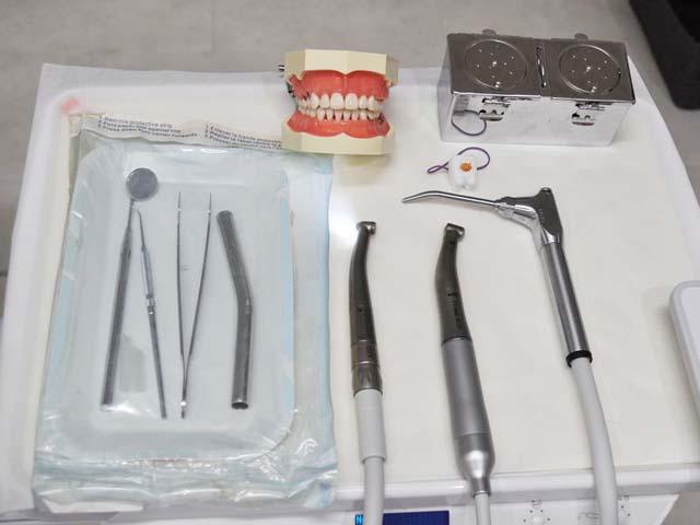 歯の治療に使う道具の写真